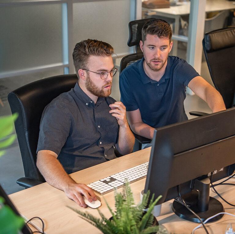 Een vaste developer die op vaste dagen werkt aan jouw website